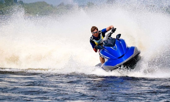 Enjoy The Yamaha Jet Ski In Auckland, New Zealand