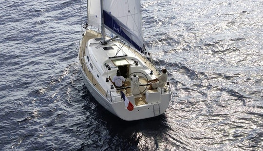 Charter A 7 Person Hanse 370 Sailboat In Flensburg, Germany