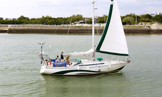 'thelis' Sloop Charter & Courses In La Rochelle