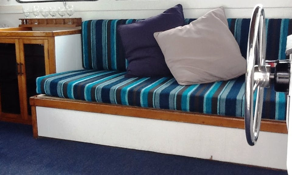 """Stay on """"Springtime"""" Houseboat on Stunning Tweed Rivers"""