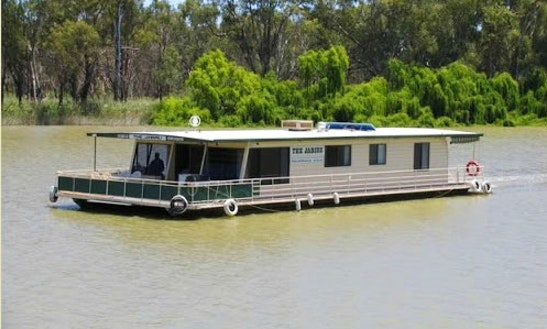 'the Jabiru' Houseboat Hire In Paringa, Australia