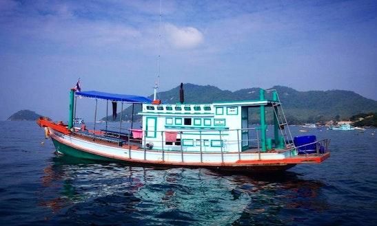 Motor Yacht In Tambon Ko Pha-ngan