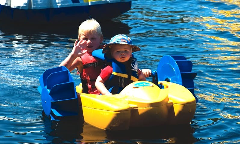 Kids Turbo Paddlers for Hire in River Leam