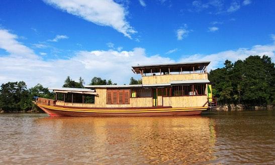 Ruhui Rahayu (houseboat)