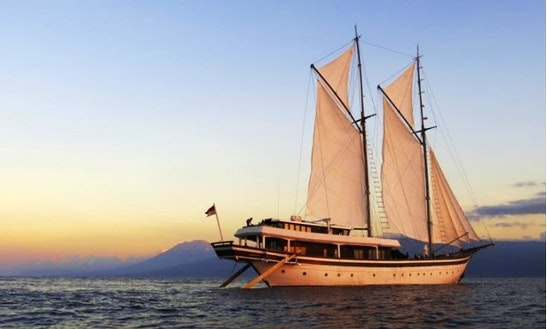 Luxury Phinisi Schooner Rental In Indonesia