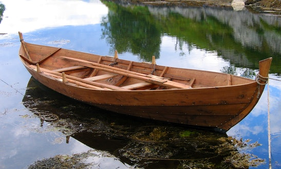 Wooden Rowing Skiff Boat For Hire In Christchurch