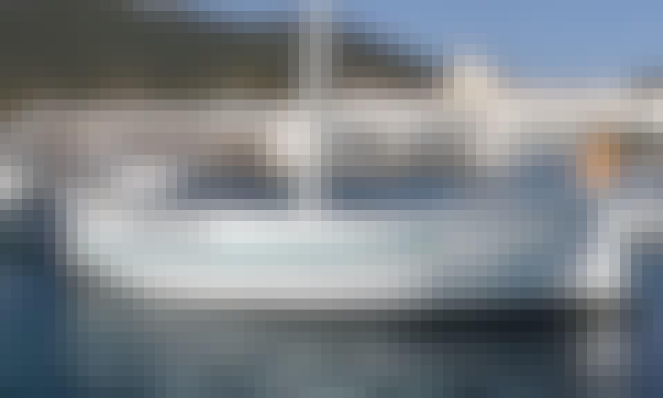 20' Llaut Boat Charter in Cadaqués