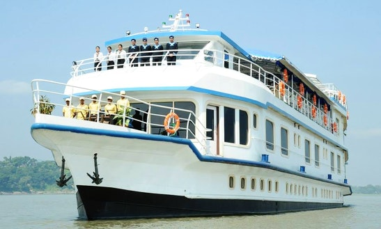 14 Cabins River Cruiser