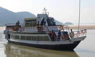 3 CABINS HOUSE BOAT