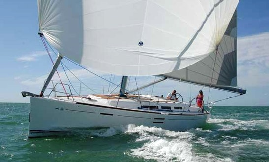 Charter Dufour 40 Sailing Yacht In La Rochelle