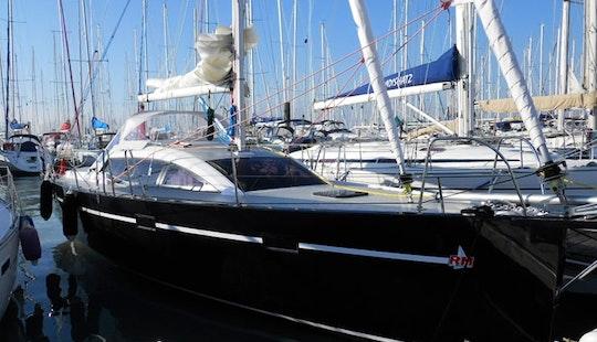Charter 34' Sailing Yacht In La Rochelle