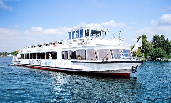 1 Hour City-spreefahrt Tour On This Canal Boat In Berlin, Germany