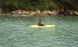 Rent a Single Kayak in Maupin, Oregon