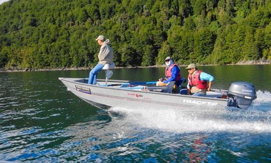 16' Tracker Boat Fishing Charter In Chaitén, Chile