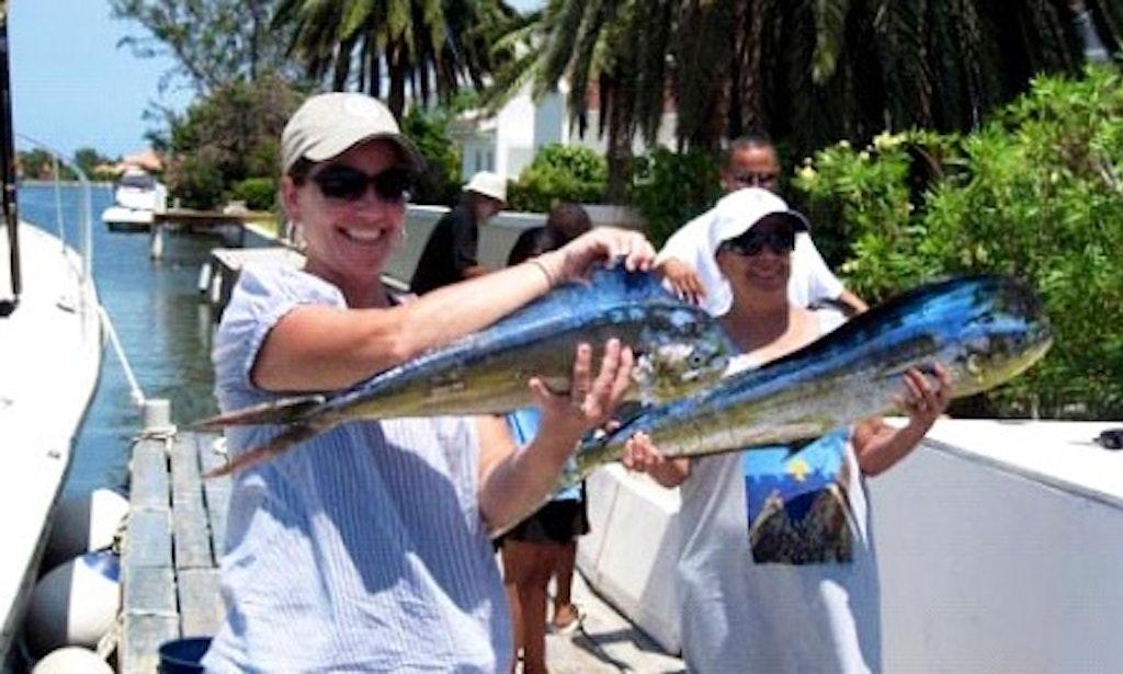 60 39 sport fishing charter in cayman islands getmyboat for Deep sea fishing grand cayman