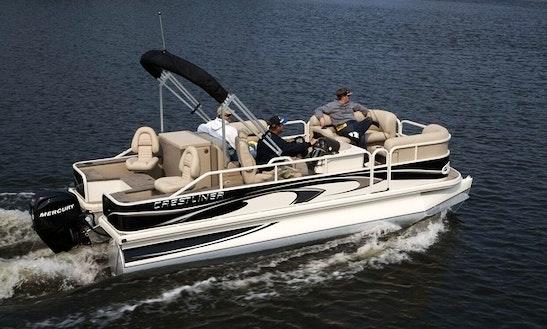 20' Crestliner Pontoon Rental In Muskoka Lakes