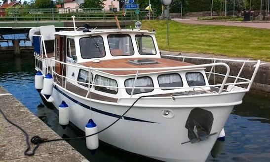 Pedro Boat Pedro 32 Motor Yacht Rental In Zagreb, Croatia