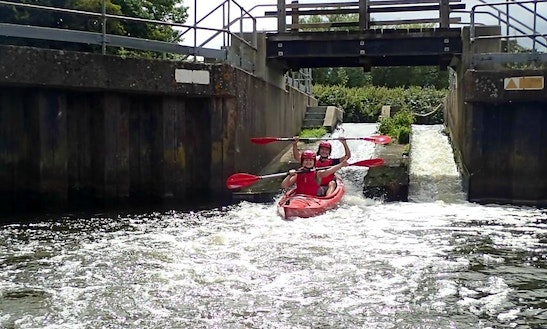 Two Person Kayak For Hire In Yalding, United Kingdom