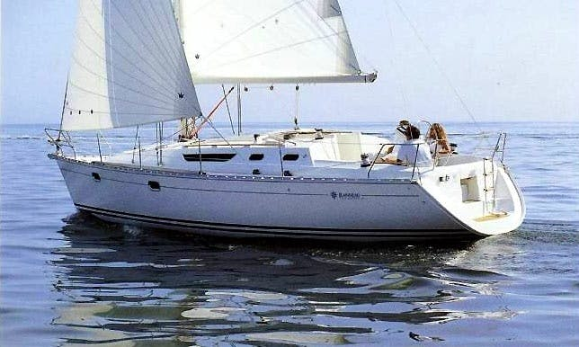Hire Sun Odyssey 36.2 Sailing Yacht In Setúbal