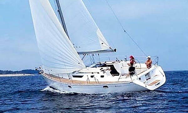 Hire Sun Odyssey 42.2 Sailing Yacht In Setúbal