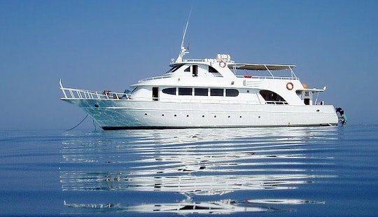 Motor Yacht Diving Trips In Hurghada, Egypt