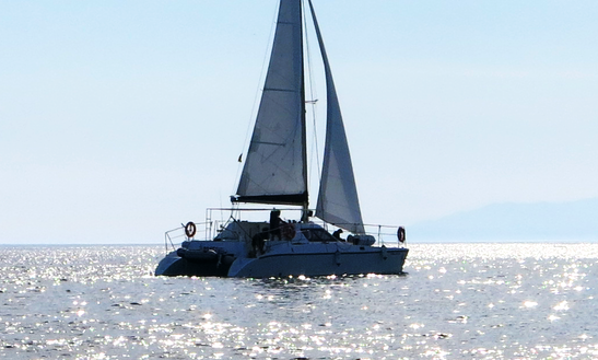 Catamaran Cruises In Algarrobo-costa