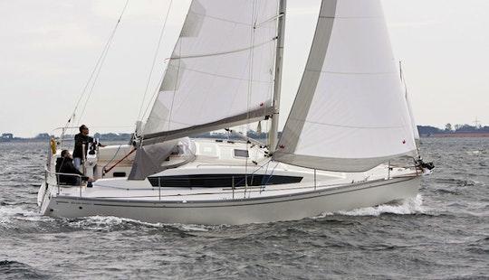 Delphia 31-gte Sailing Monohull Charter In Arzon, France