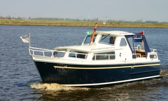 Rent 27' Motorboat In Heukelum