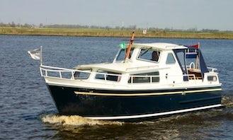 Rent 27' Motorboat In Heukelum