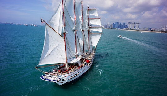 Royal Albatross Sailing Charters In Singapore