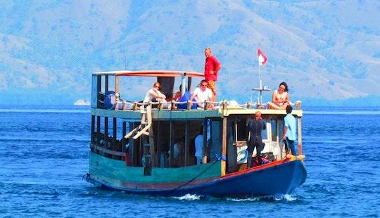 Passenger Boat Rental In Komodo