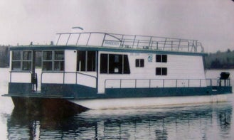 44' Houseboat for 6 Person Ready To Book in Sioux Narrows, Canada