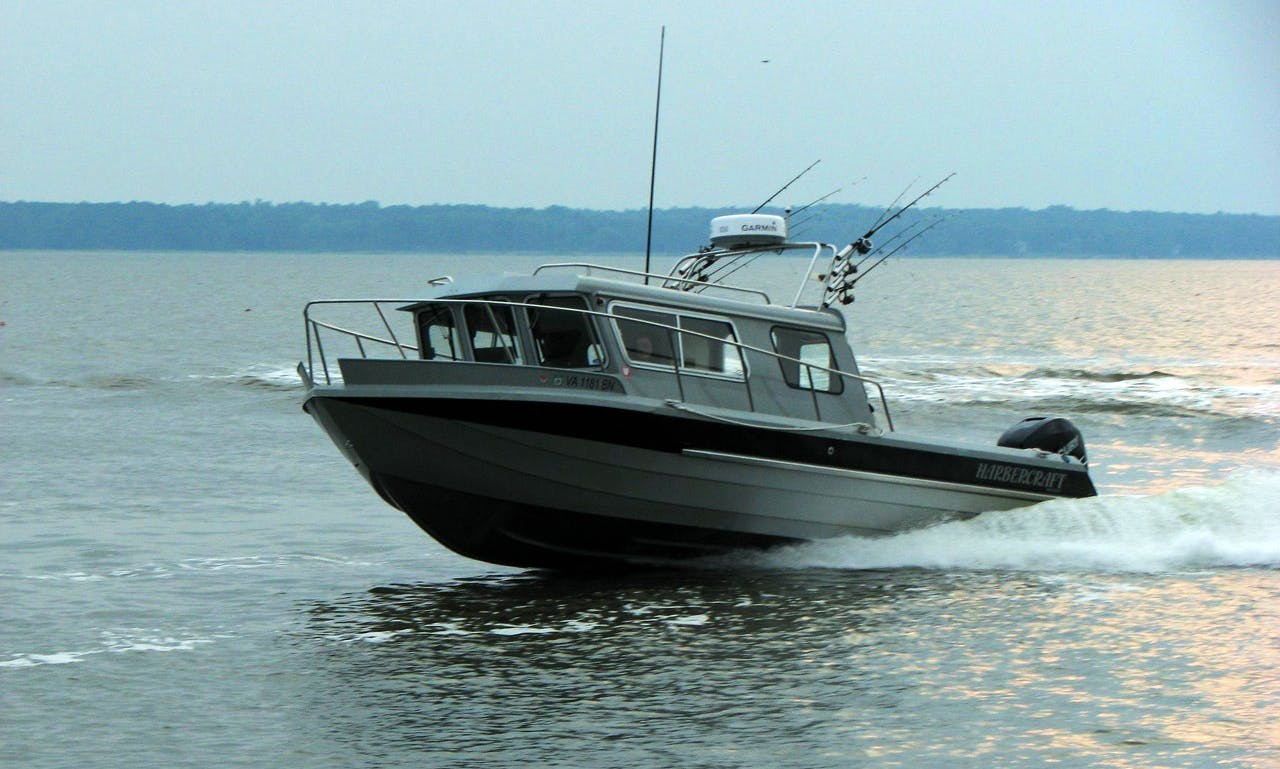 30' Kingfisher Boat Fishing Guide in Campbell River