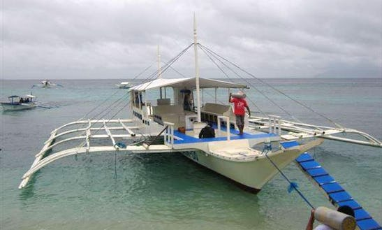 (14 Pax) Diving Boat Tour In Puerto Galera