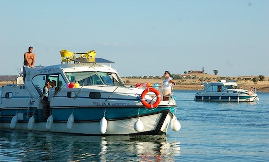 Houseboat Rental In Amieira