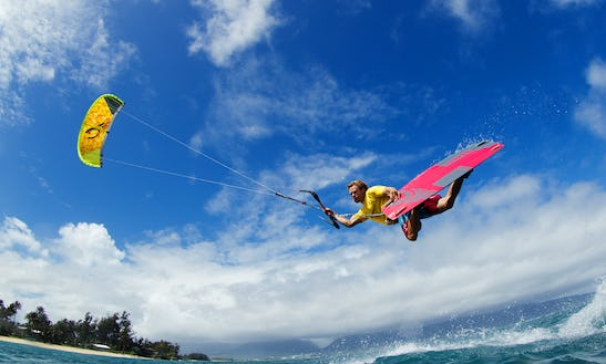 Kiteboarding Lessons, Tours & Trips In Pittsburg