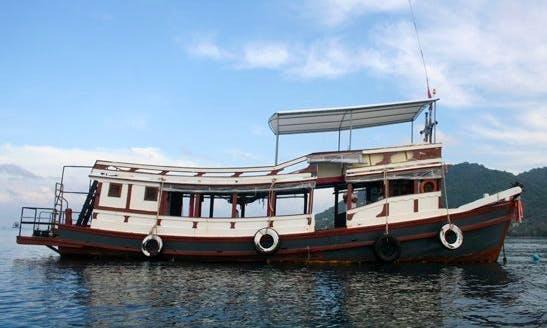 MV Sin King in Tambon Ko Pha-ngan