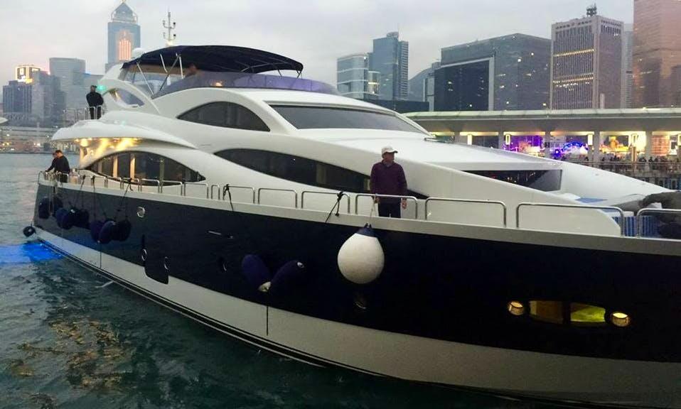Cruiser 98 Yacht in Hongkong