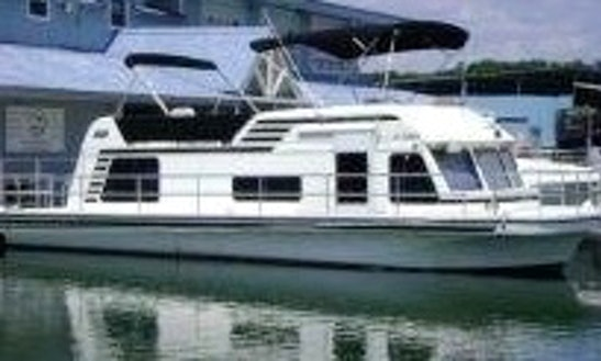 40ft Austintini Boat Charter In Lake Travis, Texas