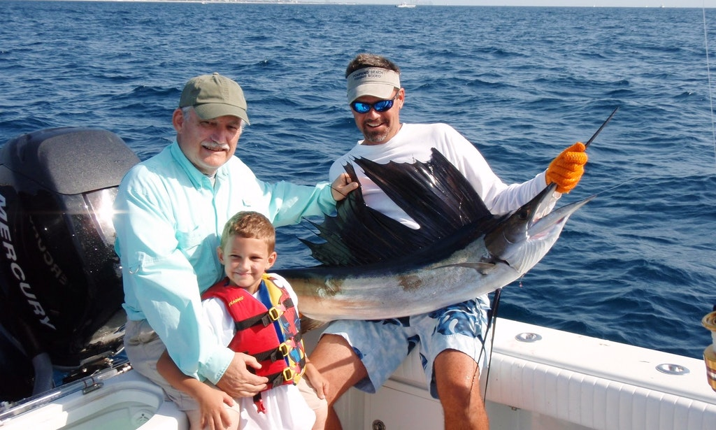 Deep sea sport fishing on 27 39 center console in jupiter for Jupiter inlet fishing