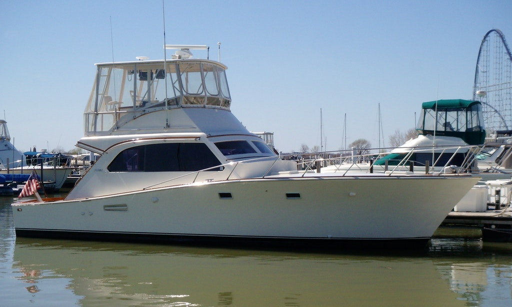 Charter On 42ft 39 Indiscretion 39 Yacht In Boston