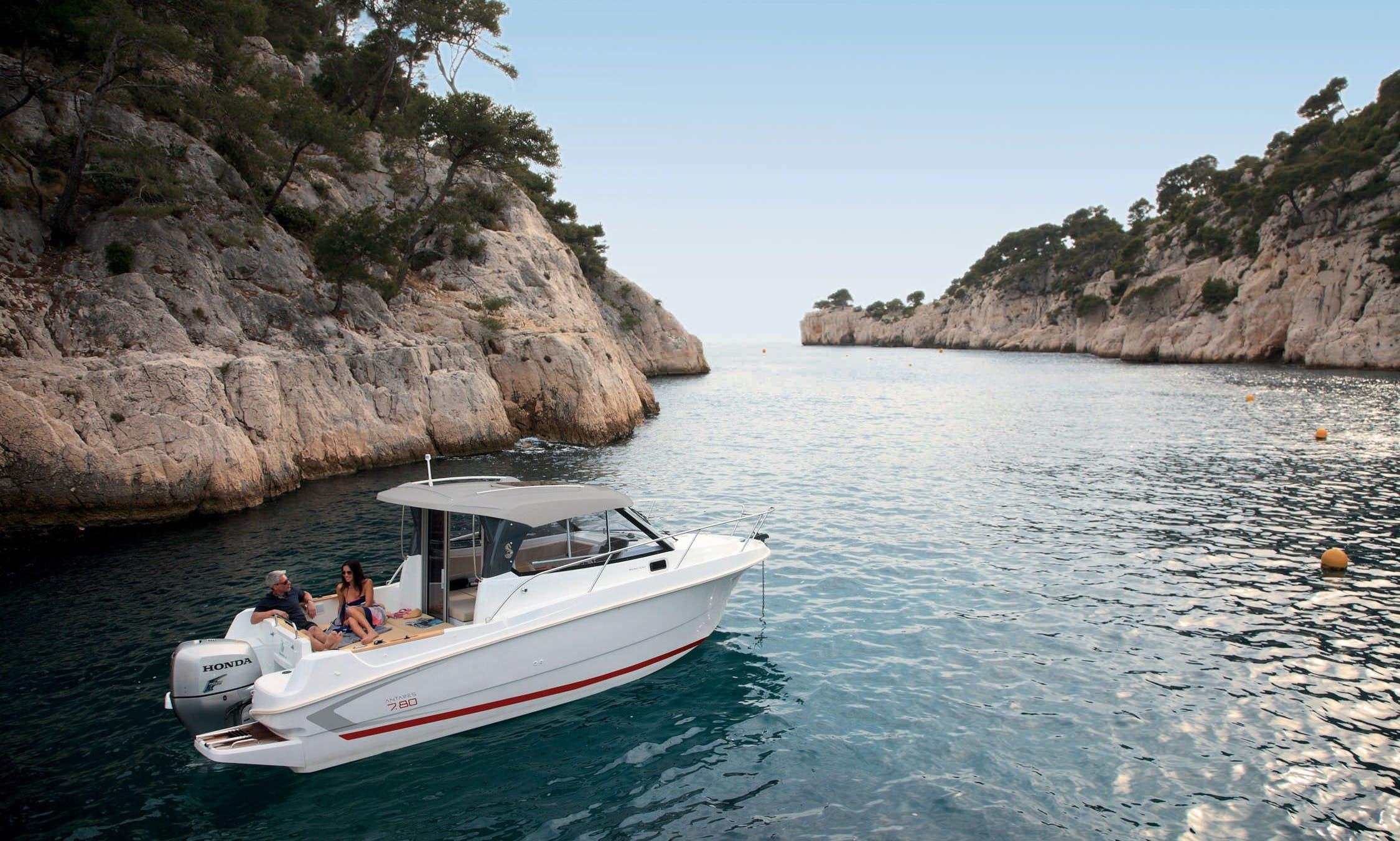 Beneteau Antares 7.80 - Motor Yacht Rental in Split