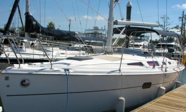 "Rent 36ft ""Moonlight Seranade"" Sailboat In Kemah, Texas"