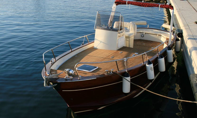 Gozzo Di Luccia 28 Boat Tour on Amalfi Coast