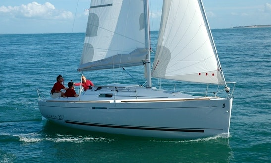 23' Beneteau First Cruising Monohull Rental In Toscolano-maderno, Italy