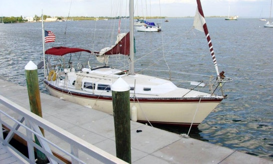 33ft 'zefiro' Sailing Monohull In Bradenton Beach, Florida