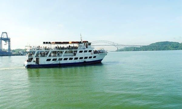 Guided Bilingual Panama Canal Boat Tours with Catering