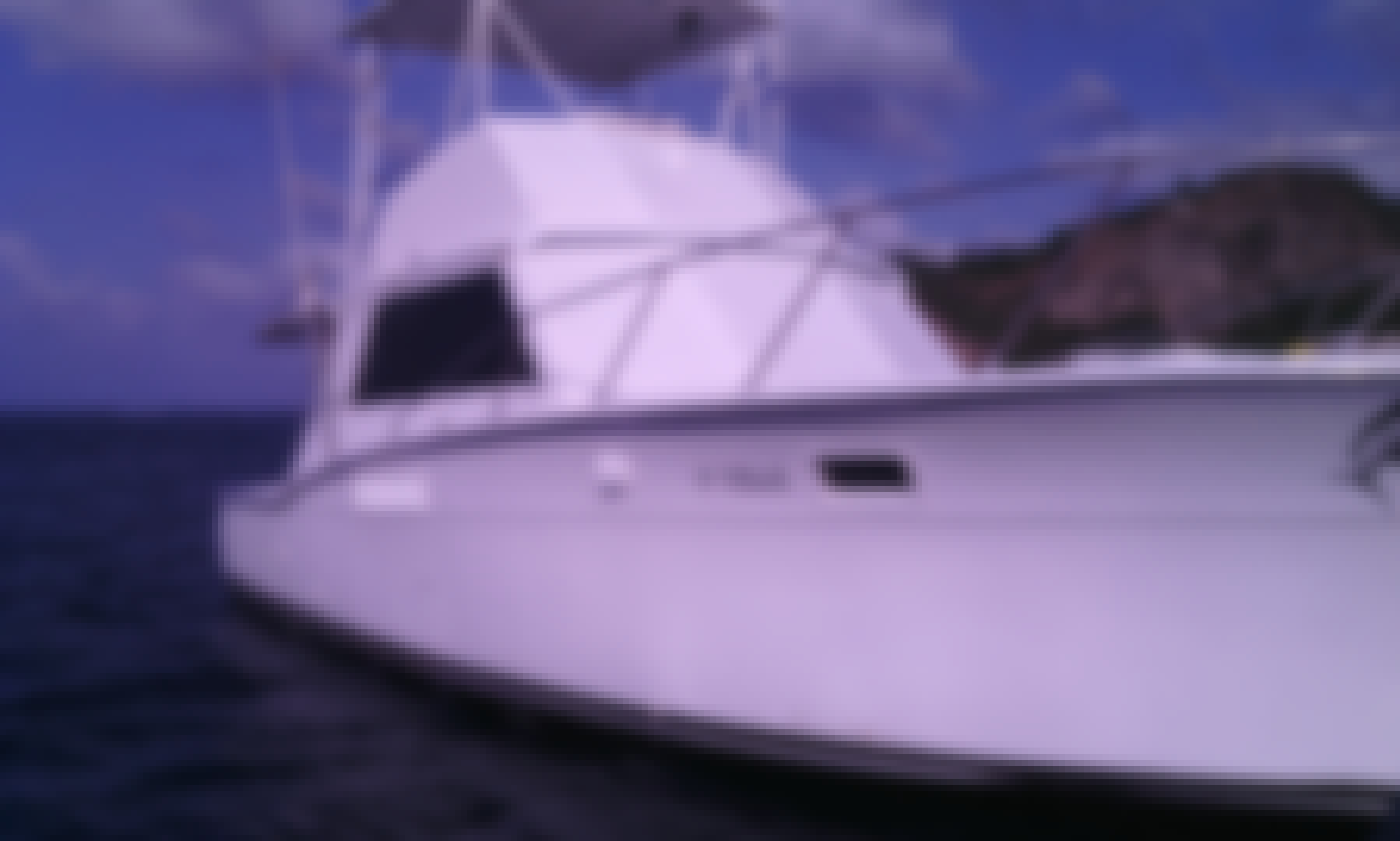 36 ft Sport Fisherman Charter for 15 People in Rivas, Nicaragua