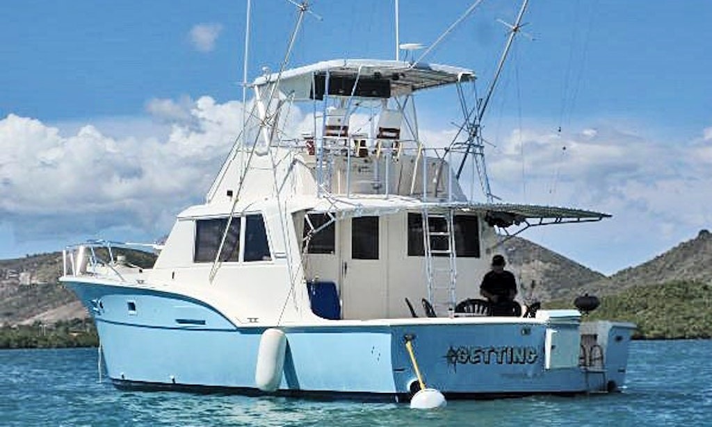 Fishing charter on 53ft hatteras yacht in ponce puerto for Hatteras fishing charters