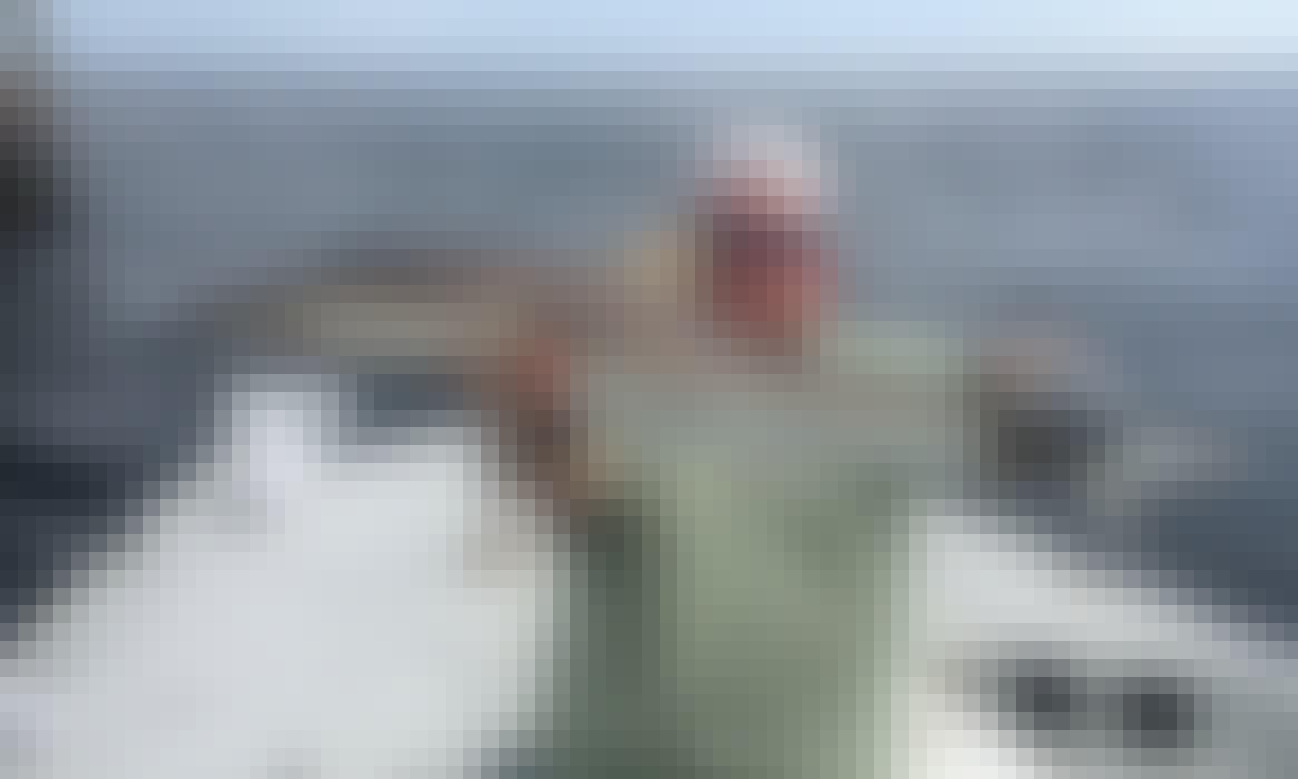 23' Flats Boat Bay Fishing Trips In Corpus Christi, Texas